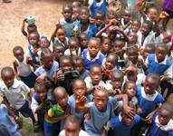 ©UNICEF Sierra Leone - Children of Sierra Leone reaching out for peace